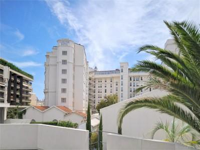 Appartement en copropriété for sales at Exclusivité - Magnifique 4 pièces  Cannes, Provence-Alpes-Cote D'Azur 06400 France
