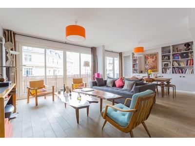 Apartamento for sales at Apartment with balcony - Monceau / Hoche  Paris, Paris 75008 França