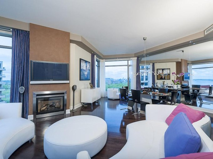 Apartamento for sales at Nun's Island  Montreal, Quebec H3E 2B7 Canadá