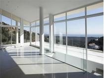Casa Unifamiliar for sales at Modern and bright villa with sea views in Playa de    Platja D Aro, Costa Brava 17250 España