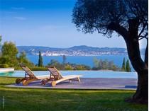 獨棟家庭住宅 for sales at Villa with breathtaking views  Other Provence-Alpes-Cote D'Azur, 普羅旺斯阿爾卑斯藍色海岸 83310 法國