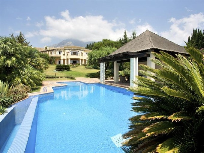 Casa Unifamiliar for sales at Distinctive property with amazing seaviews  Marbella, Costa Del Sol 29600 España