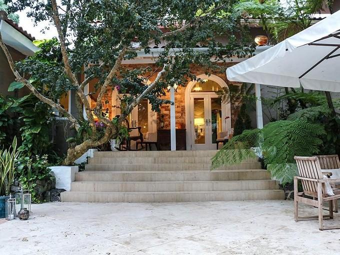 獨棟家庭住宅 for sales at Romantic Montebello Home in Garden Hills North A0 Monte bello Street Guaynabo, Puerto Rico 00966 波多黎各