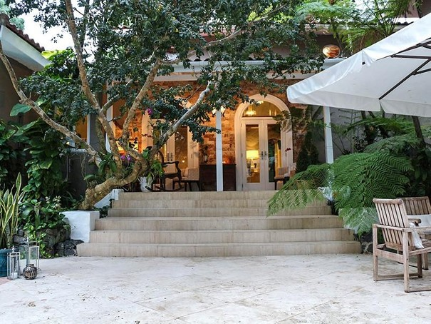 Single Family Home for sales at Romantic Montebello Home in Garden Hills North A0 Monte bello Street Guaynabo, Puerto Rico 00966 Puerto Rico