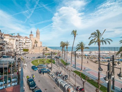 Apartment for sales at Sunny apartment in historic building facing the be  Sitges, Barcelona 08870 Spain