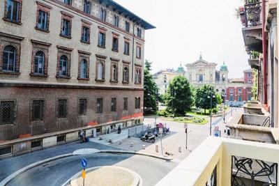 Appartamento for vendita at Elegante appartamento in palazzo d'epoca Via Petrarca Milano, Milano 20123 Italia
