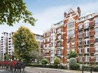 Appartamento for  sales at Wellington Court  London, Inghilterra SW1X 7PL Regno Unito