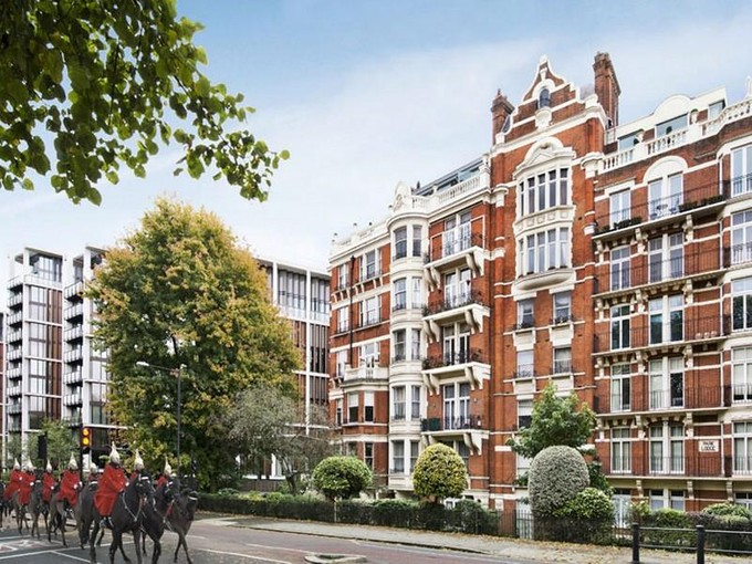 Wohnung for sales at Wellington Court  London, England SW1X 7PL Vereinigtes Königreich