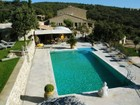 Casa Multifamiliar for  sales at Character property in Provence  Gordes, Provincia - Alpes - Costa Azul 84220 Francia