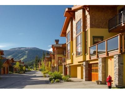 Casa Unifamiliar Adosada for sales at Bright & Airy Half Duplex Townhouse 29 - 5000 Sun Peaks Road Sun Peaks, British Columbia V0E 5N0 Canadá
