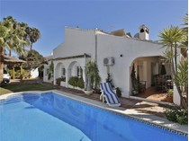 Частный односемейный дом for sales at Semi-detached villa second line beach  Marbella, Costa Del Sol 29600 Испания