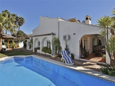 Maison unifamiliale for sales at Semi-detached villa second line beach  Marbella, Costa Del Sol 29600 Espagne