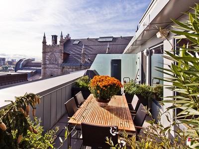 Condominio for sales at Gorgeous Penthouse 81 Rue De Brésoles, app. PH702 Montreal, Quebec H2Y 2B6 Canadá