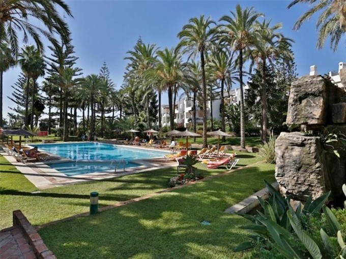 Wohnung for sales at Delightful beachside apartment    Marbella, Costa Del Sol 29679 Spanien