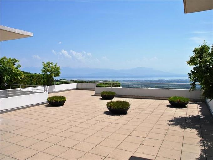 Apartamento for sales at Luxury 4.5 room duplex apartment  Other Vaud, Vaud 1272 Suiza
