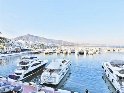 Wohnung for sales at A very well situated apartment with fantastic view  Marbella, Costa Del Sol 29660 Spanien