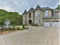 Maison unifamiliale for sales at Stunning Oasis In Pickering 492 Rougemount Dr   Toronto, Ontario L1W2B9 Canada