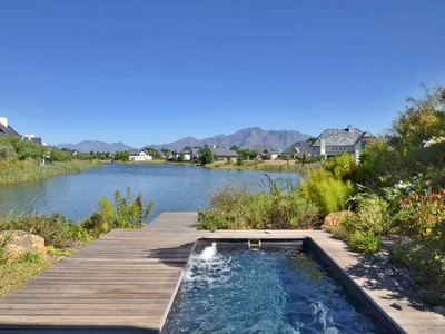Villa for sales at Ideal Weekend Getaway on Pearl Valley Golf Estate  Paarl, Capo Occidentale 7646 Sudafrica