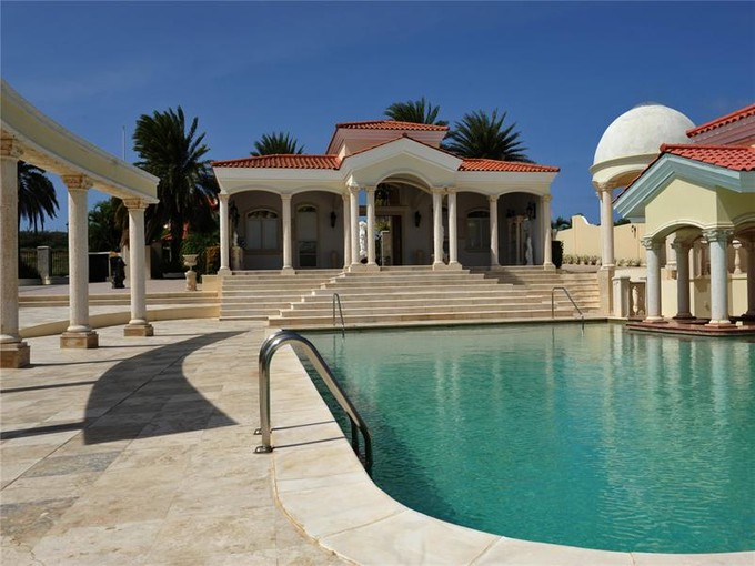 Einfamilienhaus for sales at Beautiful Estate with César Palace Inspirited Pool  Malmok, Aruba 21000 Aruba