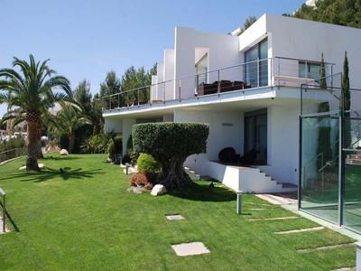 Villa for sales at Beautiful modern villa with spectacular views  Altea, Costa Blanca 03590 Spagna