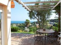 Частный односемейный дом for sales at Дом с видом на море в городе Бланес  Blanes, Costa Brava 17300 Испания