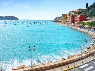 Apartment for sales at Sole Agent - Rare apartment in enviable position  Villefranche, Provence-Alpes-Cote D'Azur 06230 France