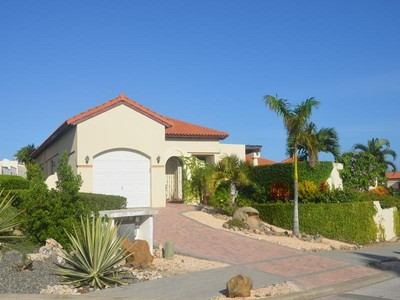 Moradia for sales at Beautiful and Cozy Villa  Malmok, Aruba 21000 Aruba