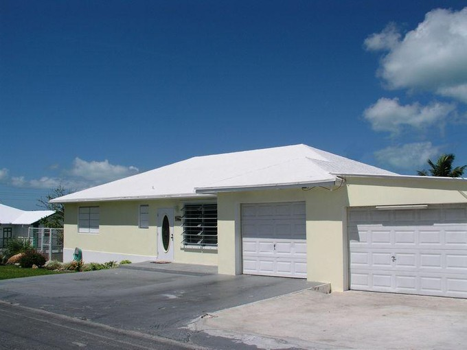 Maison unifamiliale for sales at House on 28th Street  Spanish Wells, Eleuthera . Bahamas