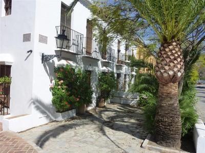 Konak for sales at Delightful townhouse in a Andalusian village  Marbella, Costa Del Sol 29600 Ispanya