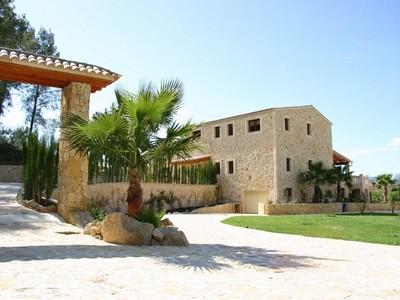Maison unifamiliale for sales at First-Class Finca Style Property in Calvia Village   Calvia, Majorque 07184 Espagne