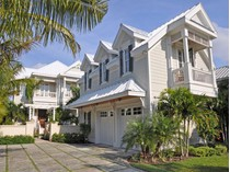 Maison unifamiliale for sales at Canal Beach #19, Old Fort Bay Old Fort Bay, New Providence/Nassau Bahamas