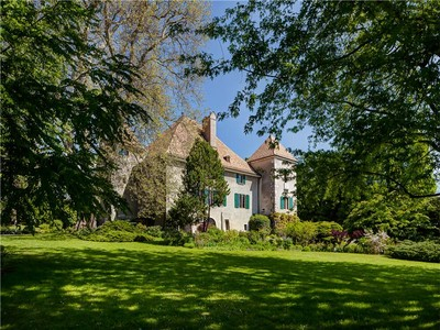 Maison unifamiliale for sales at Magnificent 15th century chateau  Gingins, Vaud 1276 Suisse