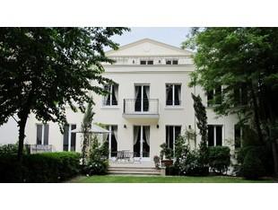 Otras residenciales for sales at High standard Mansion - Boulogne  Paris, Paris 92200 Francia