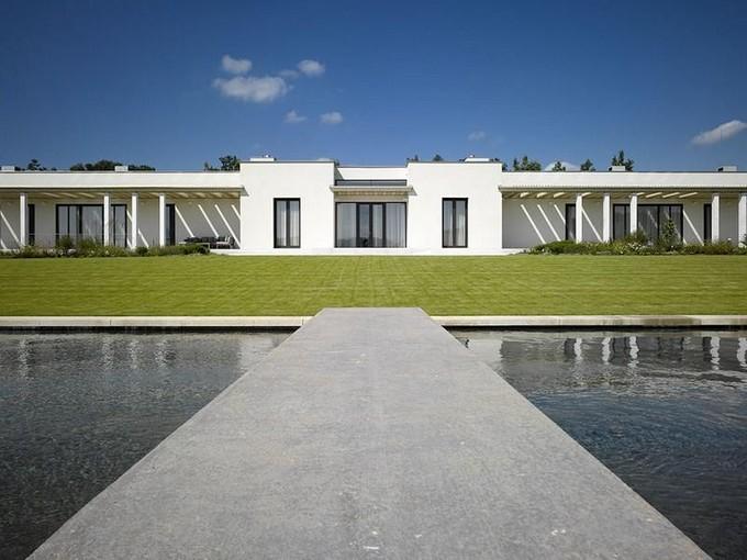 Villa for sales at Atemporal Mansion  Other Czech Republic, Altre Zone Della Repubblica Ceca 60200 Repubblica Ceca