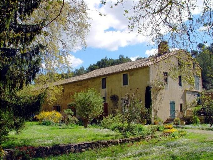 Vivienda unifamiliar for sales at Property in Les Baux de Provence    13520 Otros Países