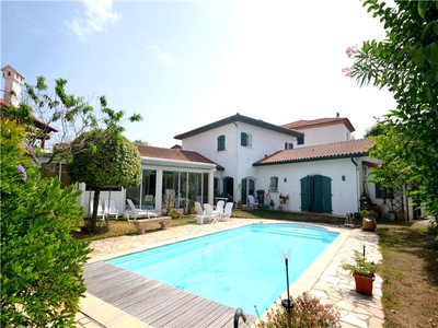 Villa for sales at Biarritz, center of town  Biarritz, Aquitania 64200 Francia