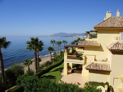 Căn hộ for sales at Spectacular penthouse duplex front line beach  Marbella, Costa Del Sol 29600 Tây Ban Nha