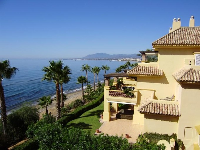 Wohnung for sales at Spectacular penthouse duplex front line beach  Marbella, Costa Del Sol 29600 Spanien