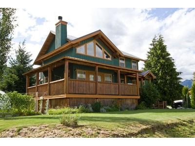 단독 가정 주택 for sales at Pemberton Chalet 1474 Hemlock Street Pemberton, 브리티시 컬럼비아주 V0N 2L0 캐나다