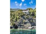 Property Of Exclusive Villa pieds dans l'eau in Elba Island