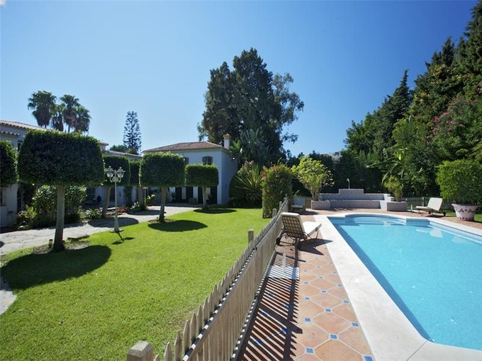 Vivienda unifamiliar for sales at An ideal home on the Costa del Sol.  Marbella, Costa Del Sol 29670 España