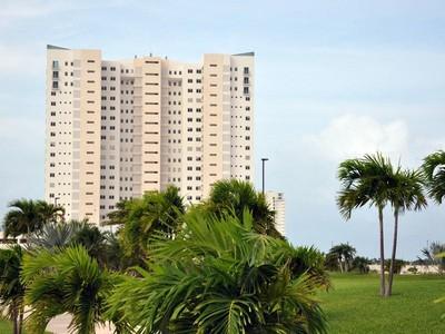 Condomínio for sales at CONDO WITH MARINA & GOLF IN CANCUN  Cancun, Quintana Roo 77500 México