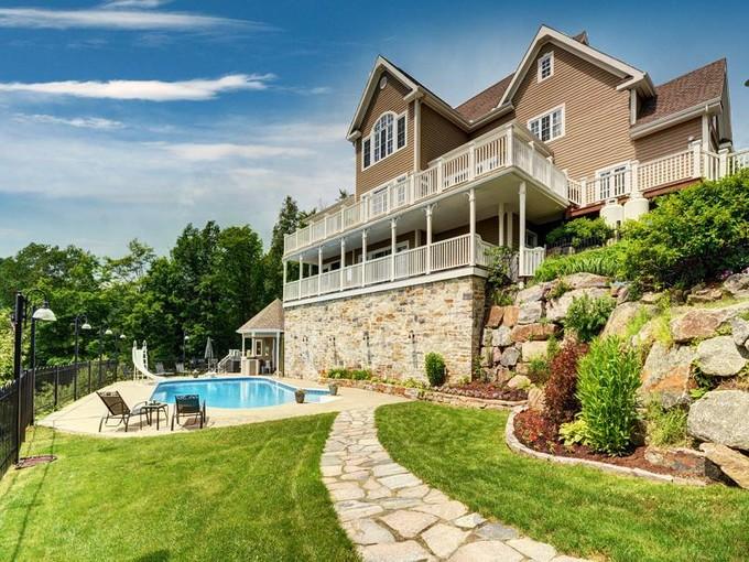 Villa for sales at Village Mont-Tremblant  Mont-Tremblant, Quebec J8E 1H6 Canada