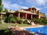 Property Of Villa con vistas al Campo de Golf y al mar