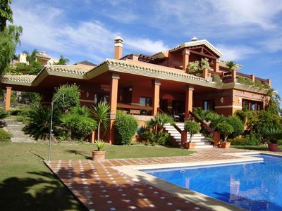 Tek Ailelik Ev for sales at Villa with views over the Golf course and the sea  Benahavis, Costa Del Sol 29679 Ispanya