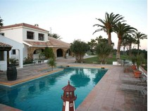 Farm / Ranch / Plantation for sales at Finca with horses, stables, paddock, and tennis co    Estepona, Costa Del Sol 29691 Spain