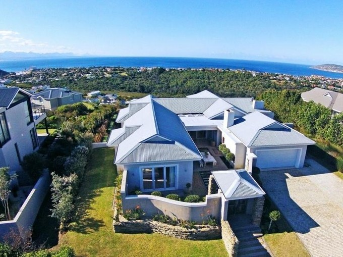 Single Family Home for sales at Welcome Home  Plettenberg Bay, Western Cape 6600 South Africa