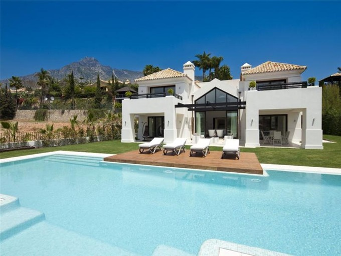 Maison unifamiliale for sales at Contemporary brand new villa on the Golden Mile  Marbella, Costa Del Sol 29600 Espagne