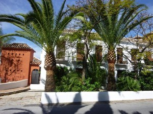 Additional photo for property listing at Delightful townhouse in a Andalusian village  Marbella, Costa Del Sol 29600 Spain
