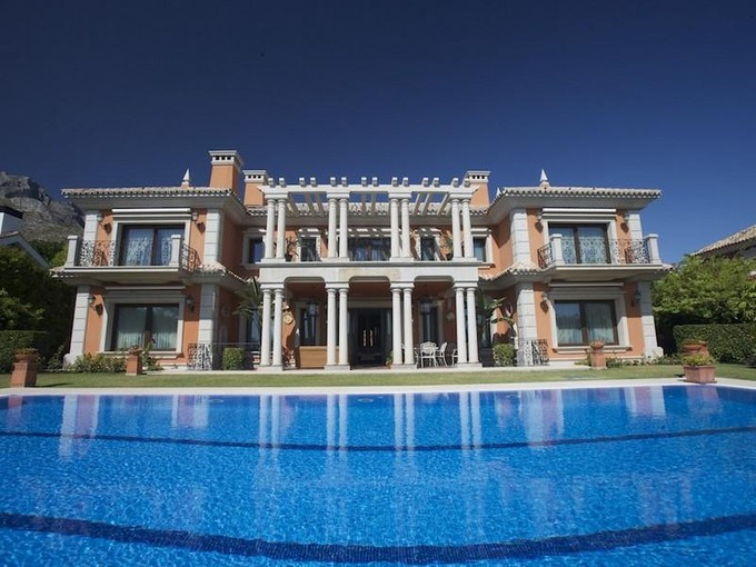 Einfamilienhaus for sales at Impressive palatial style villa In Sierra Blanca  Marbella, Costa Del Sol 29600 Spanien